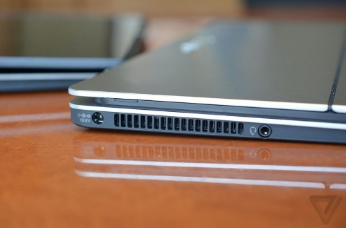 Sony offers a magnetic solution to the Windows 8 hybrid problem