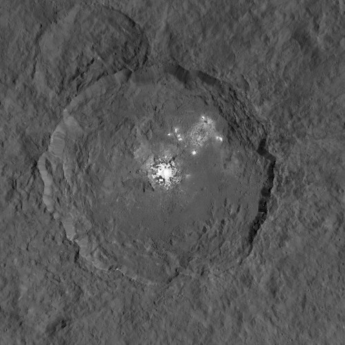 The bright spots on Ceres come into focus
