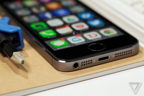 The FBI will help unlock an iPhone and iPod in an Arkansas murder case
