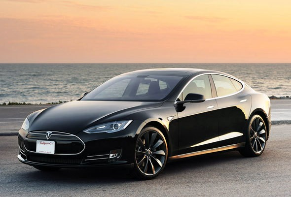 Tesla takes on China with aggressive Model S pricing