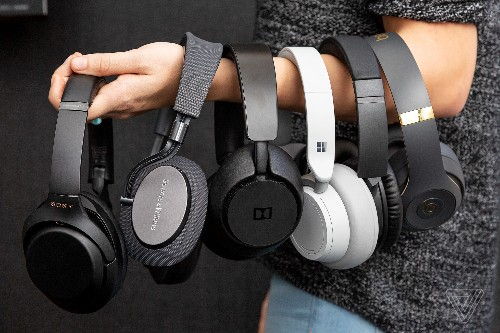 The Verge 2018 tech report card: Headphones