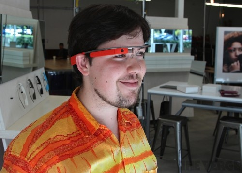 Google Glass becomes more useful with new Facebook, Twitter, and Tumblr apps
