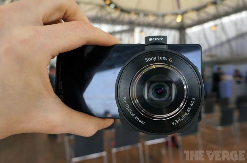 Sony's QX Smart Lens attaches an entire camera to your smartphone