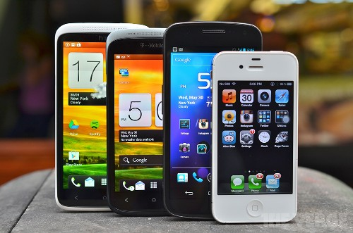 IDC: smartphones outsell feature phones for the first time ever