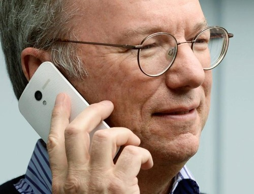 Eric Schmidt has a Moto X and he's using it right now