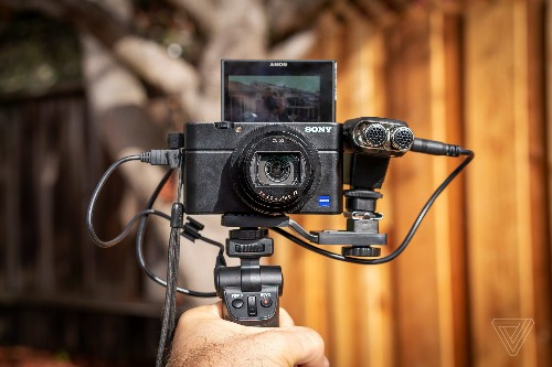 Sony RX100 Mark VII review: almost vlogger