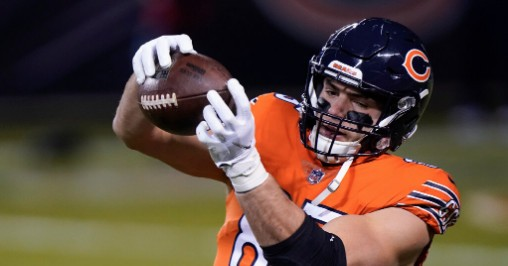 Why are the Bears having problems at tight end?