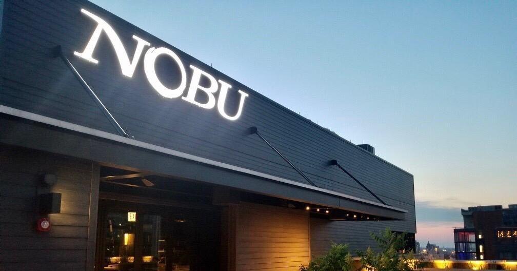 Robert De Niro's Long Awaited Nobu Chicago Opens Hotel Rooftop Bar