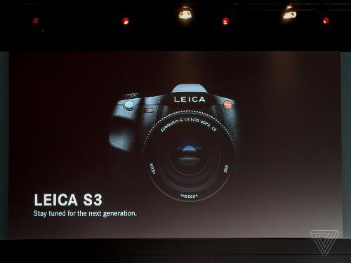 Leica teases 64-megapixel S3 medium format camera for spring 2019