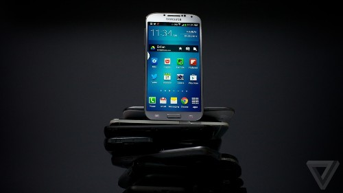 Samsung backtracks on Galaxy S4 storage issues, hints at update to free up space