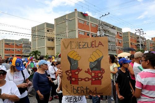 Lindsey Graham proposes invading Venezuela to oust Maduro