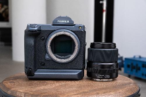 Fujifilm's GFX 100 is a medium format camera that performs like a mirrorless
