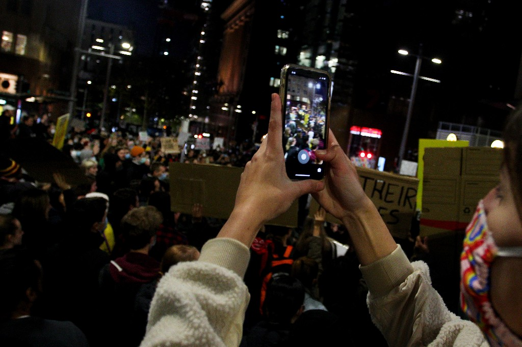 How to hide faces and scrub metadata when you photograph a protest