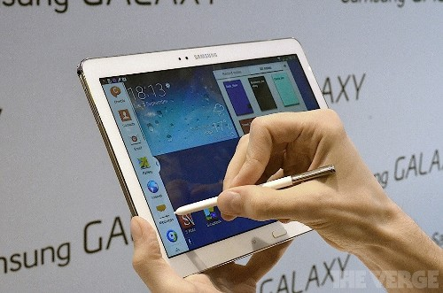 Samsung's new Galaxy Note 10.1 is a high-res tablet that syncs with the Gear smartwatch