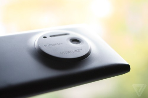 Apple hires Nokia's Lumia photography lead