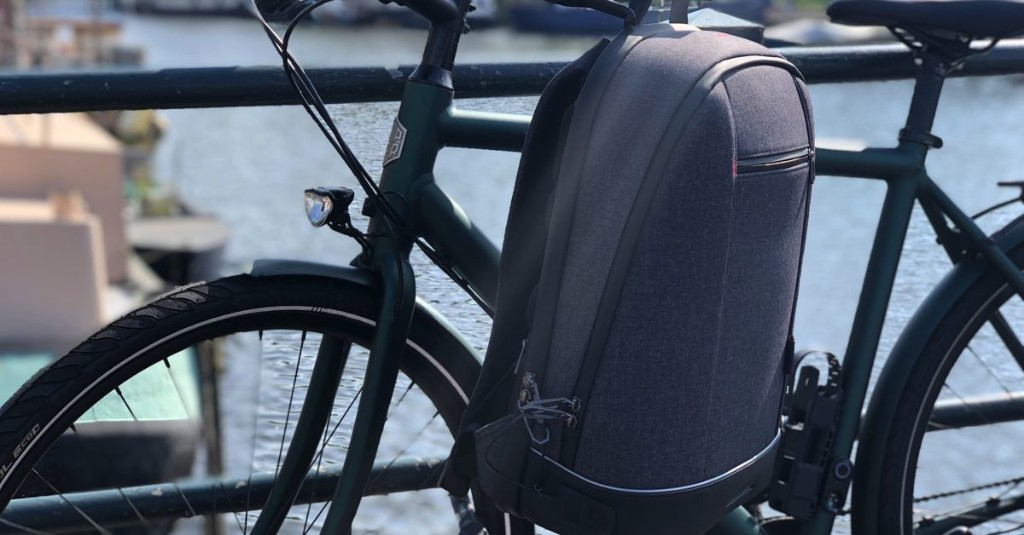 Agazzi's commuter backpack is over-engineering done right