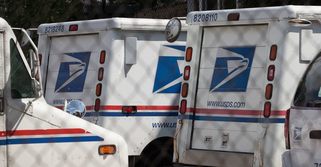 Airlines safe, but Trump would let post office die