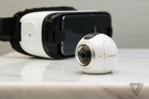 Samsung's Gear 360 VR camera launches in the US for $349.99, sort of