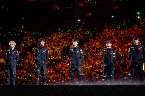 Chinese League of Legends league will play games online due to coronavirus concerns