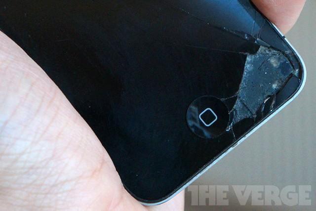 Apple overhauling repairs program, will replace iPhone 5 displays in-store for $149