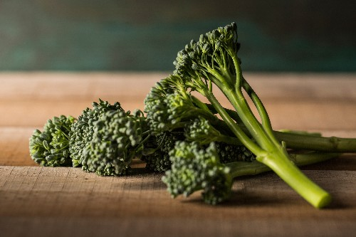 What's the Difference Between Broccolini, Broccoli Rabe, and Chinese Broccoli?