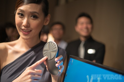 Asus unveils VivoMouse, 'world's first' mouse and touchpad combination for Windows 8