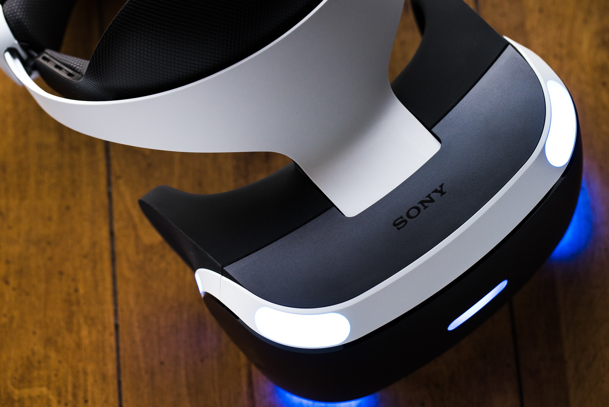 Sony's dropping the price of PlayStation VR