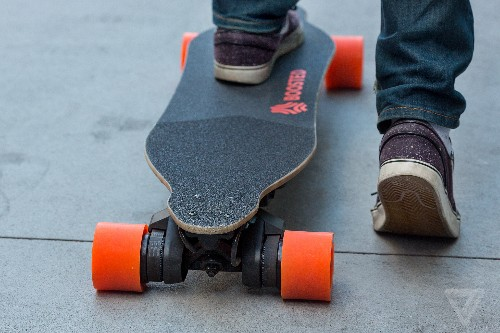 Boosted tells people to stop riding its electric skateboards after battery malfunctions