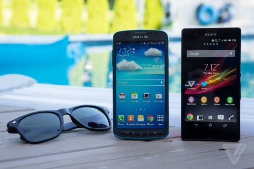 Battle of the waterproof phones: Samsung Galaxy S4 Active vs. Sony Xperia Z