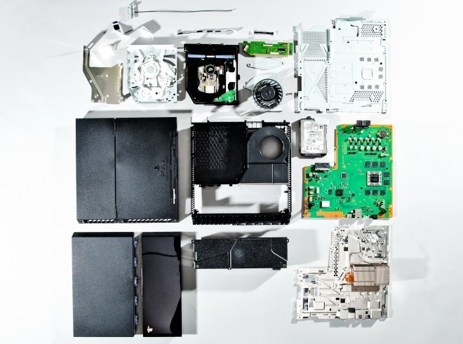 Sony reveals PlayStation 4 innards a week before its release
