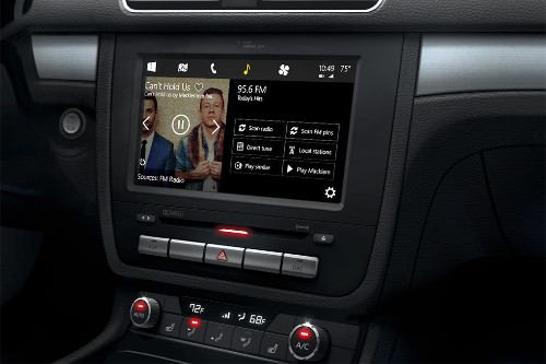 Microsoft unveils Windows in the car, battles Apple CarPlay