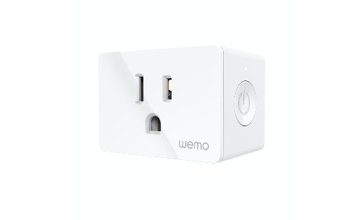 Wemo's new WiFi Smart Plug gets an even tinier redesign