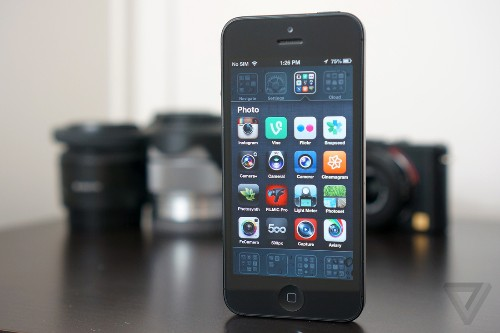 Can iPhoto and iMovie refocus in an Instagram world?