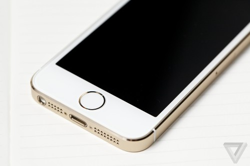 iPhone 6 will reportedly feature NFC and Apple's own mobile payments platform
