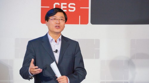 Lenovo CEO gifts $3 million from his own bonus to junior employees, again