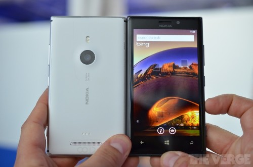 Nokia releases 'Glance Screen' beta with double-tap to wake as Lumia 925 sales begin