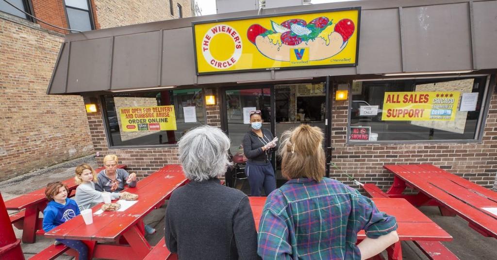 Wiener's Circle Is Still Roasting Customers From Six Feet Away