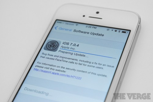Apple releases iOS 7.0.4 with fix for FaceTime call drops