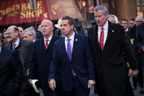 New York governor signs executive order to keep net neutrality rules after the FCC's repeal