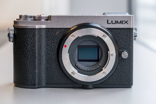 Panasonic's new $999 GX9 is a mirrorless camera for monochrome film lovers