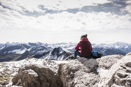 """""""I don't want to sit at home waiting"""": these women reject the idea of """"dangerous"""" solo travel"""