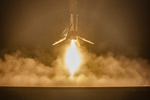 SpaceX releases close-up photos of Falcon 9's successful launch and landing