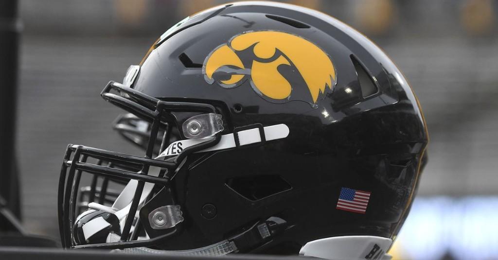 Iowa Football Recruiting: Florida DB Jordan Oladokun Decommits from Hawkeyes Again