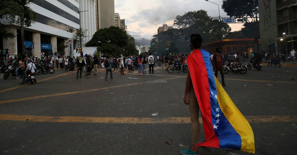 Venezuela is in a major political crisis. Here are 5 scenarios for what could happen next.