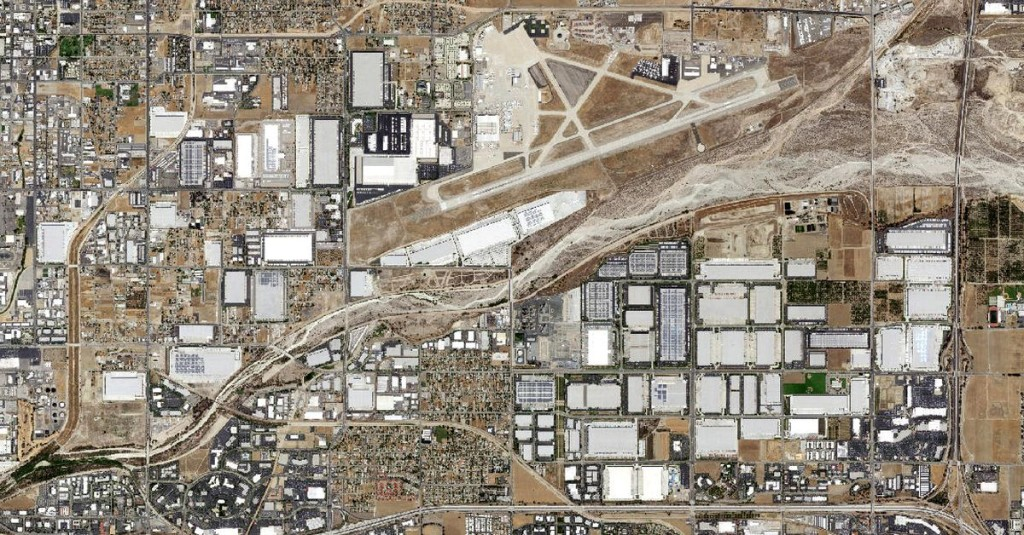 Satellite images show online shopping's growing footprint