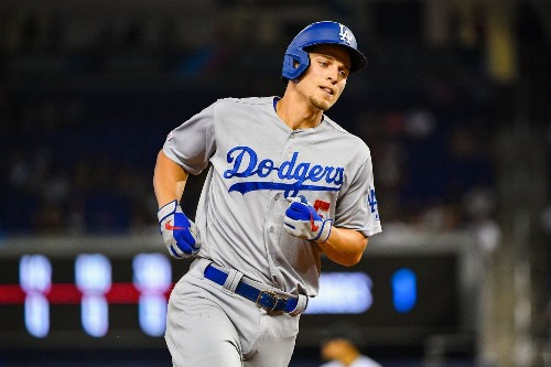 Corey Seager homers in three straight against Marlins