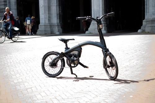 Test-riding GM's Ariv Meld and folding Merge e-bikes