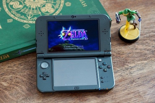 The New Nintendo 3DS XL doesn't come with a charger, and it's weirdly hard to buy one