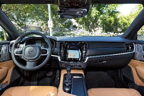 Volvo's take on the touchscreen actually makes sense
