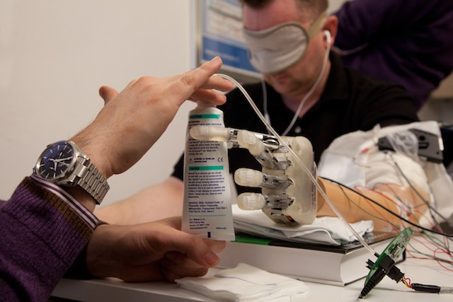 Bionic hand lets wearer feel what they're holding